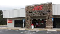Store Front Trenton Hardware & Farm Supply